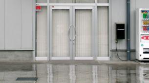 玄関フロントサッシ